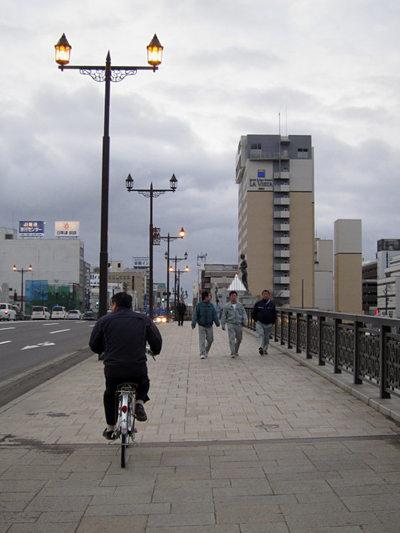 110419nusamaibashi